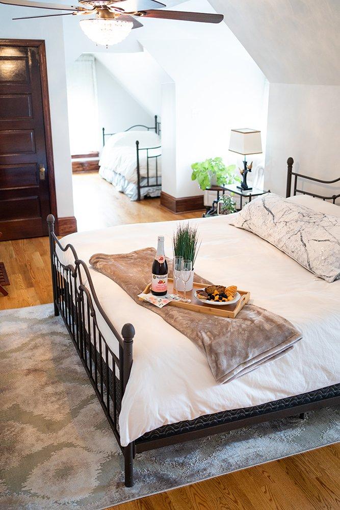 George Washington Wood Bed & Breakfast Bed Tray